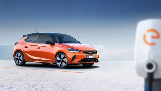 Opel Corsa-e: si carica fino all'80% anche solo in mezz'ora