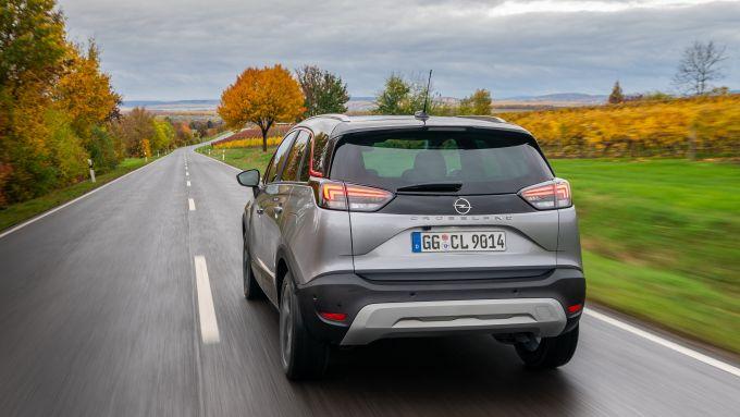 Opel Crossland 2020: posteriore