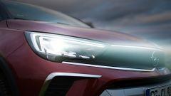 Opel Crossland 2021: i gruppi ottici