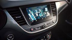 Opel Crossland 2021: il display a centro plancia