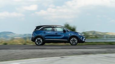Opel Crossland Ultimate 1.5 Diesel 110 CV: perfetta auto da famiglia