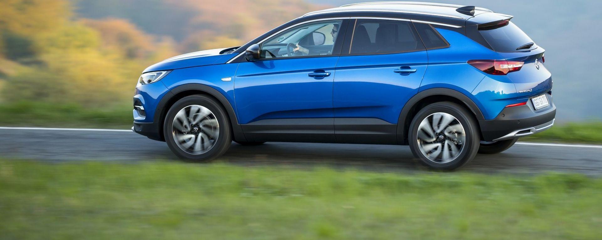 Opel Grandland X, dal 2019 anche ibrido plug-in