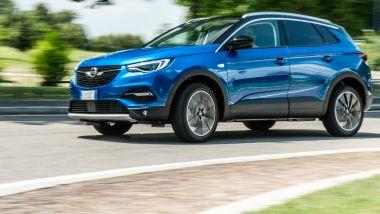 Opel Grandland X Hybrid4: al volante della versione PHEV
