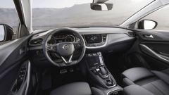 Opel Grandland X Hybrid4, allestimento Innovation