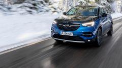 Opel Grandland X Hybrid4 AWD, con incentivi a 38.400 euro