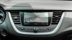 Opel Grandland X Hybrid4: il display touch da 8