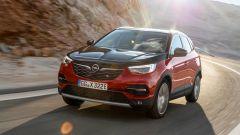 Opel Grandland X Hybrid4, il Suv sposa l'ibrido plug-in