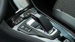Opel Grandland X Hybrid4: la leva del cambio automatico 8 rapporti e-EAT 8