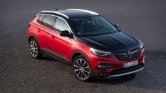 Opel Grandland X Hybrid4, ecco il Suv plug-in. Come è fatto - Immagine: 10