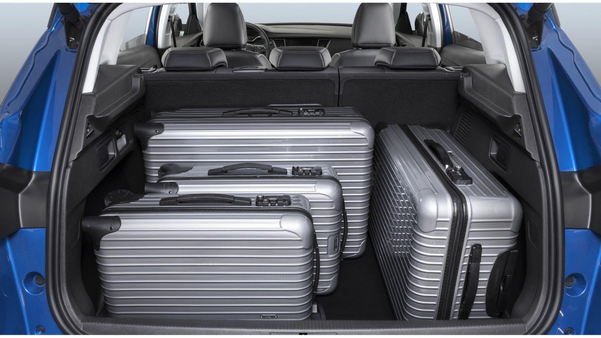 Opel grandland x stile interni prezzo e motori motorbox for Prezzo del pacchetto di 2 box auto