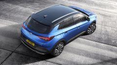 Opel Grandland X: vista dall'alto. Si noti la verniciatura bicolore (opzionale)