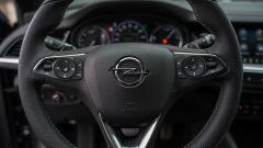 Opel Insignia 2.0 CDTI Ultimate: il volante