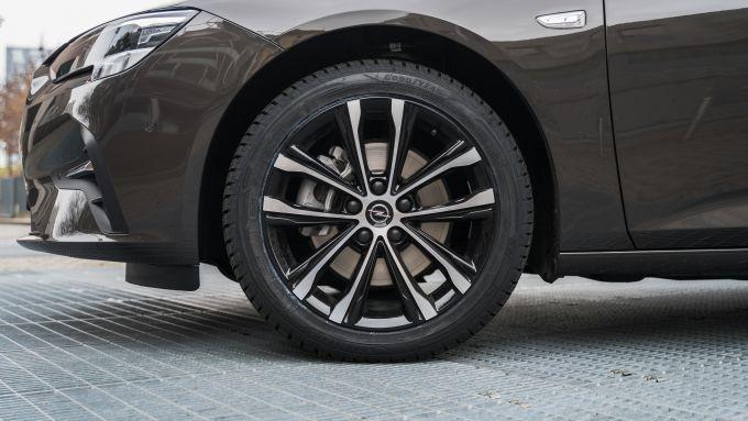 Opel Insignia 2.0 CDTI Ultimate: le ruote da 18