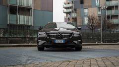 Opel Insignia 2.0 CDTI Ultimate: visuale frontale
