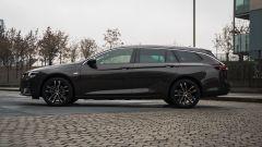 Opel Insignia 2.0 CDTI Ultimate: visuale laterale