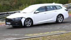 Opel Insignia facelift 2019, foto spia al Nurburgring