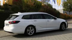 Opel Insignia Sports Tourer, le foto spia del facelift 2019 - Immagine: 12