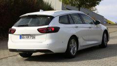 Opel Insignia Sports Tourer, le foto spia del facelift 2019 - Immagine: 15