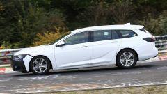 Opel Insignia Sports Tourer, le foto spia del facelift 2019 - Immagine: 7