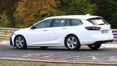 Opel Insignia Sports Tourer, le foto spia del facelift 2019 - Immagine: 2