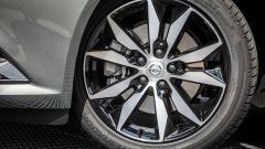 Opel Insignia Grand Sport: i cerchi in lega da 18 pollici sono di serie
