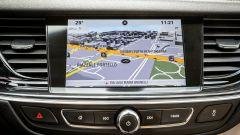Opel Insignia Grand Sport: schermo da 8 pollici capacitivo