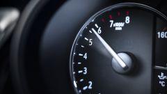 Opel Insignia GSI 2020, dettaglio della strumentazione