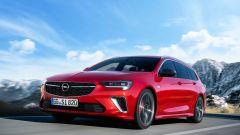 Opel Insignia GSI 2020, vista 3/4 anteriore