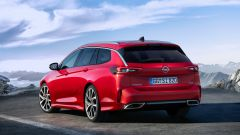 Opel Insignia GSI 2020, vista 3/4 posteriore