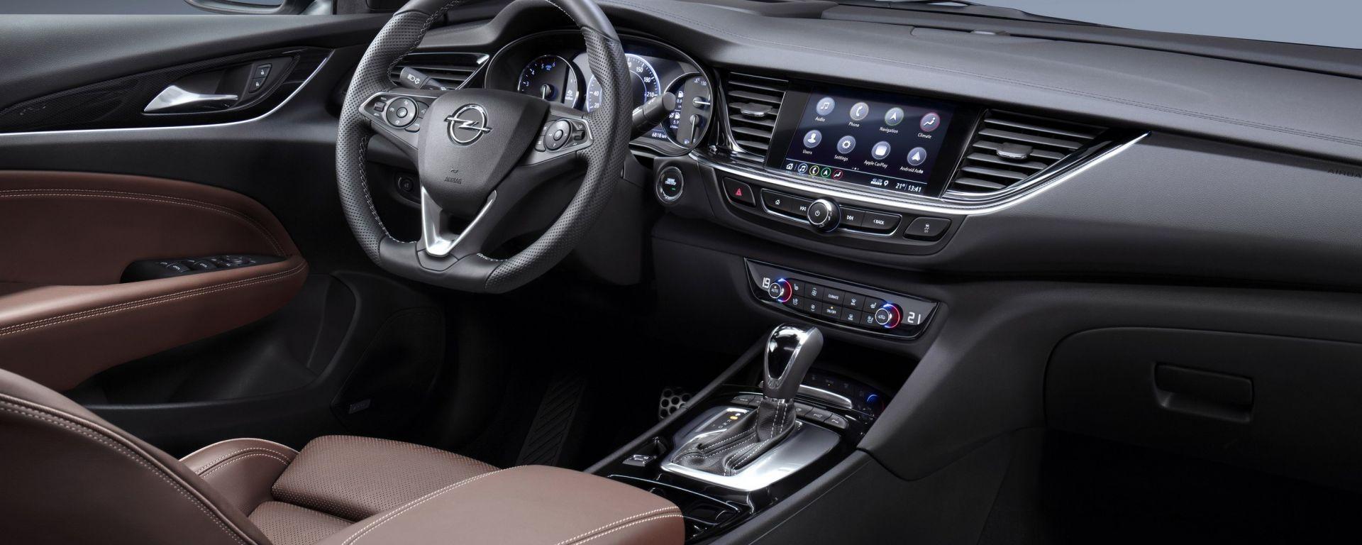 Opel Insignia: più connessa con il nuovo infotainment