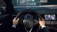 Opel Insignia Sports Tourer 2021, il volante