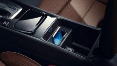 Opel Insignia Sports Tourer 2021, la ricarica wireless per il cellulare (a richiesta)