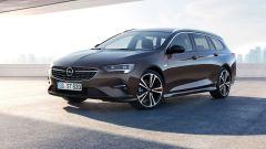 Opel Insignia Sports Tourer 2021, vista 3/4 anteriore
