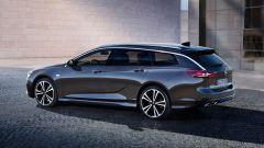 Opel Insignia Sports Tourer 2021, vista 3/4 posteriore