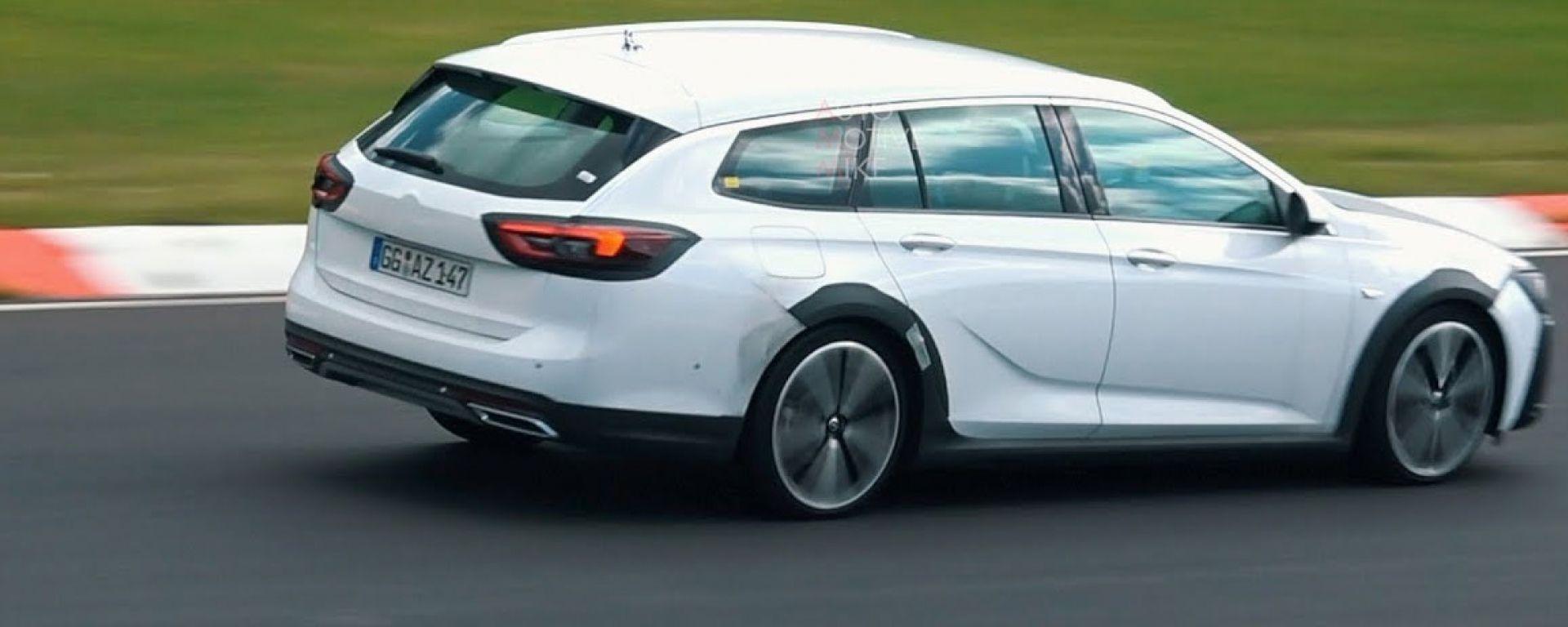 Opel Insignia Sports Tourer, foto spia del facelift 2020