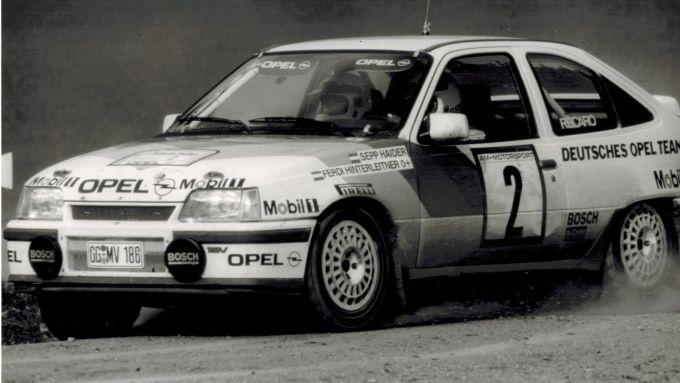 Opel Kadett GSi 16V, prima auto a convertitore catalitico a vincere un rally (1990)