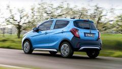 Opel Karl Rocks, look crossover e protezioni aggiuntive