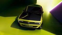 Opel Manta GSe ElektroMOD e il Pixel-Vizor