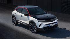 Opel Mokka 2021: la GS Line è in versione tricolore, bianco, nero e rosso