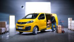 Opel Vivaro-e carico laterale