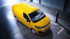 Opel Vivaro-e in ricarica
