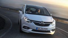 Opel Zafira: col restyling debutta il frontale completamente ridisegnato