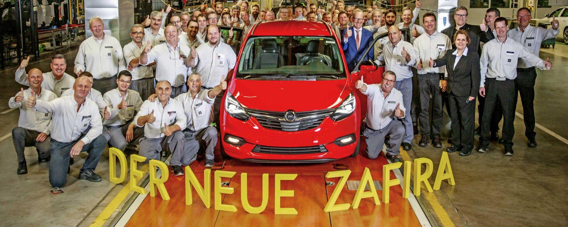 Opel Zafira: è iniziata la produzione del restyling, atteso al debutto al Salone di Parigi