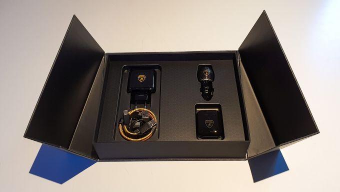 Oppo Find X2 Pro Lamborghini: il contenuto della scatola