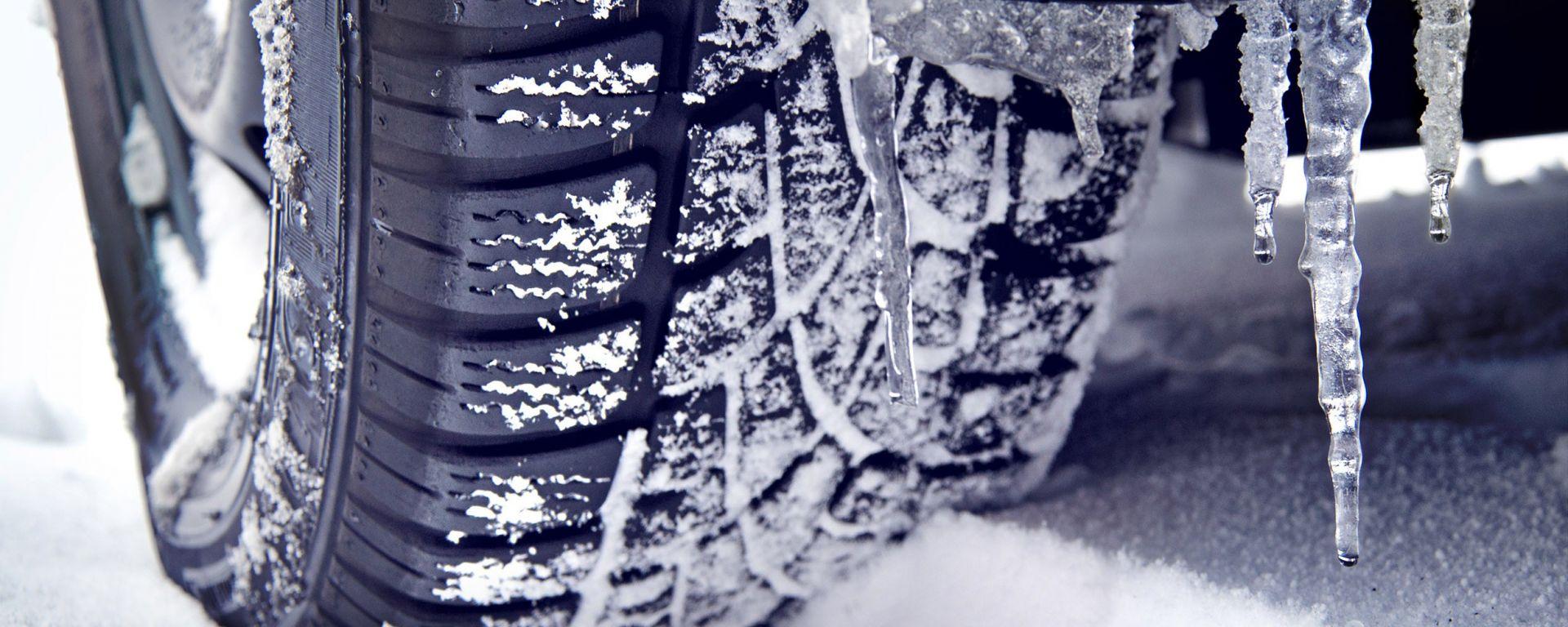 """Quando e dove montare gli pneumatici invernali. Il """"calendario"""" Pirelli"""