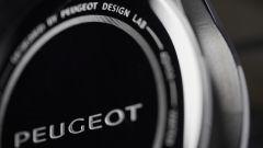 Orologi Armand Peugeot, particolare della cassa