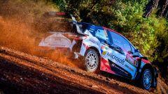 WRC 2018, Rally Turchia: Ogier e Neuville in panne. Largo a Re Tanak