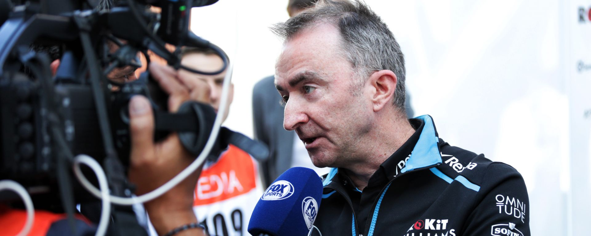 Paddy Lowe con la maglia Williams F1 nei test di Barcellona