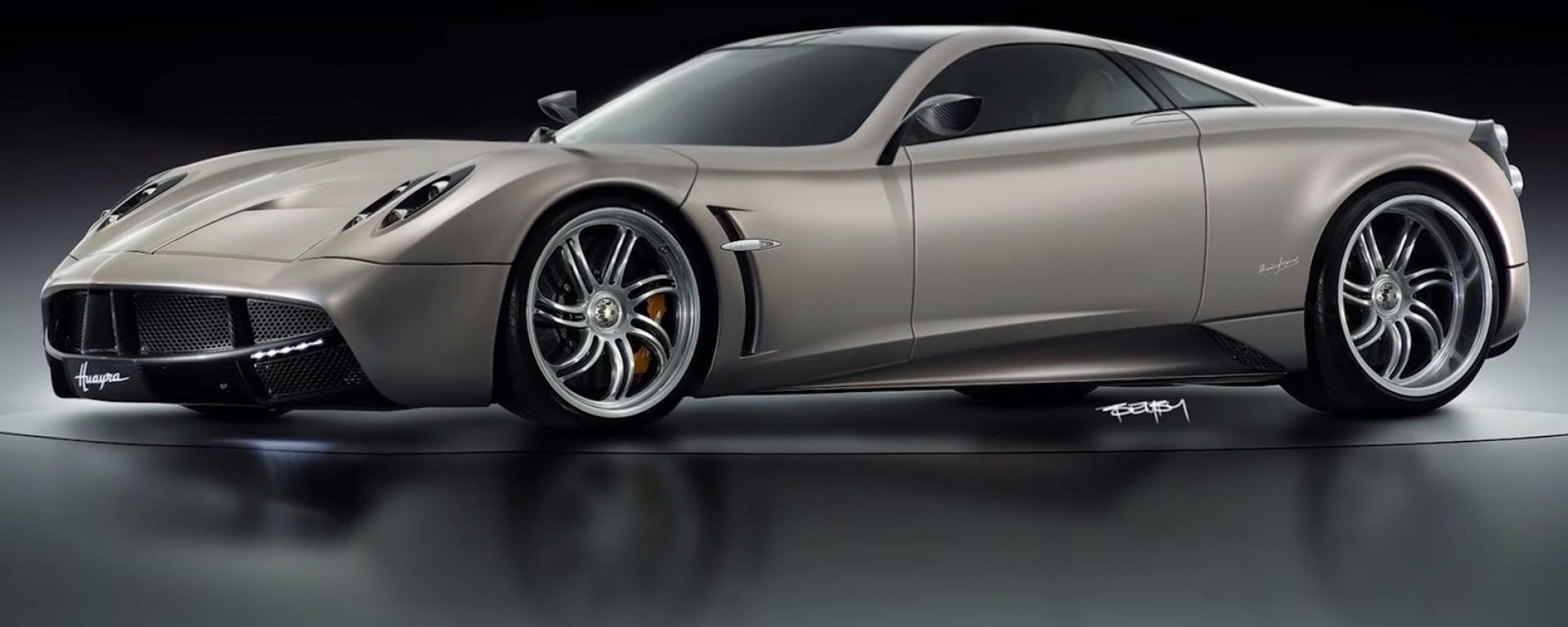 Pagani Huayra a motore anteriore: il rendering