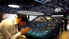 Pagani Huayra Roadster: in video dal Salone di Ginevra 2017 - Immagine: 1